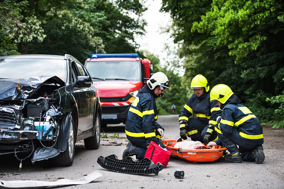 firefighters-helping-a-young-injured-woman
